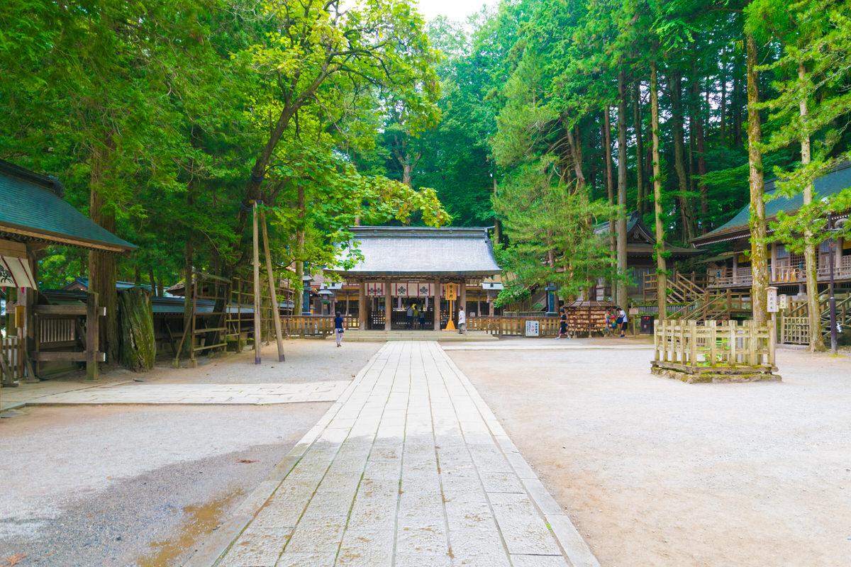 諏訪大社 拝殿