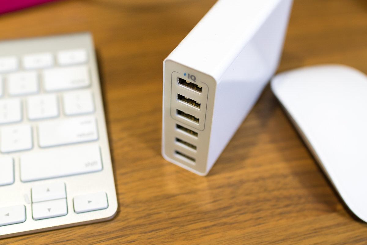 USB急速充電器 Anker PowerPort6 Lite