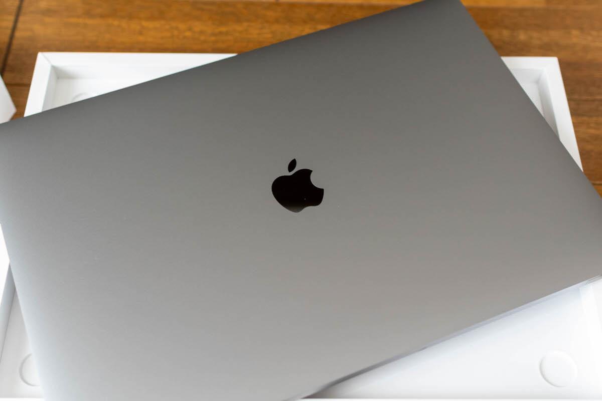 MacBook Pro 16インチ 開封